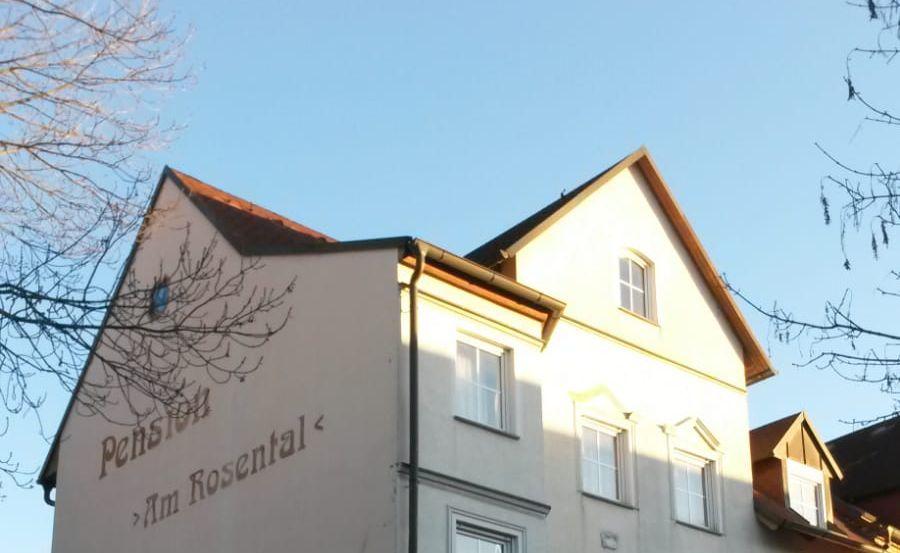 """Aussenansicht unserer Pension """"Am Rosental"""" in 06217 Merseburg"""